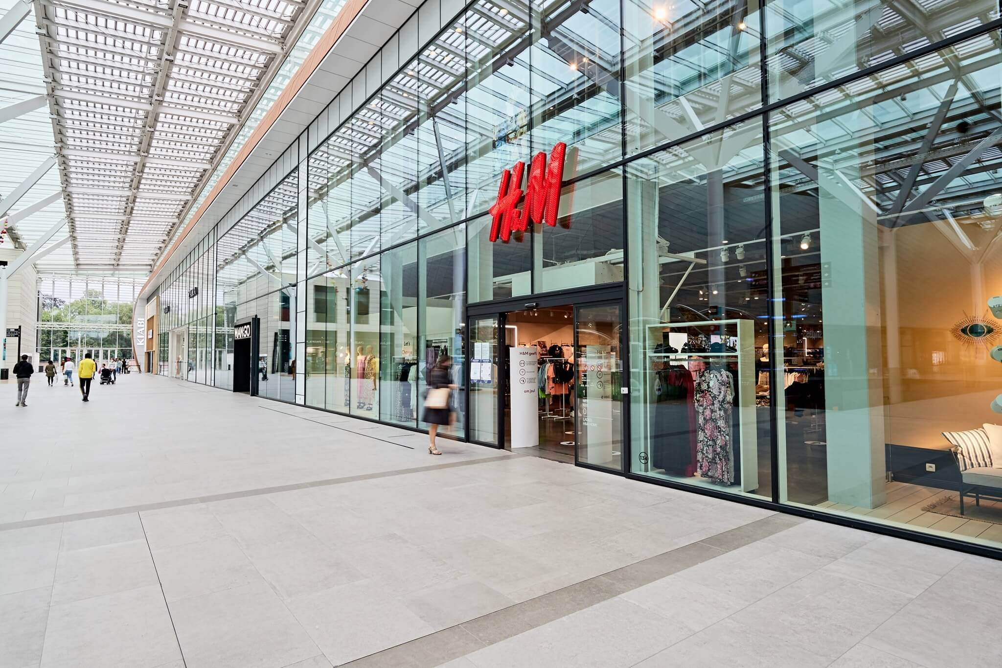 H&M | Docks Bruxsel | Shopping Center in Brussels
