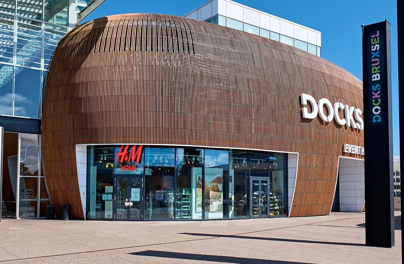 H&M home photo | Docks Bruxsel | Shopping Center in Brussels