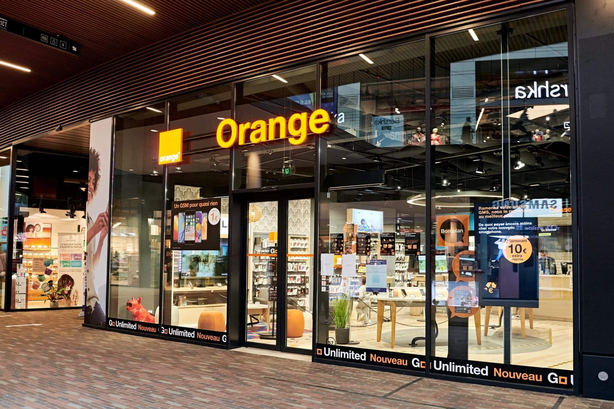 Orange | Docks Bruxsel | Shopping Center in Brussels