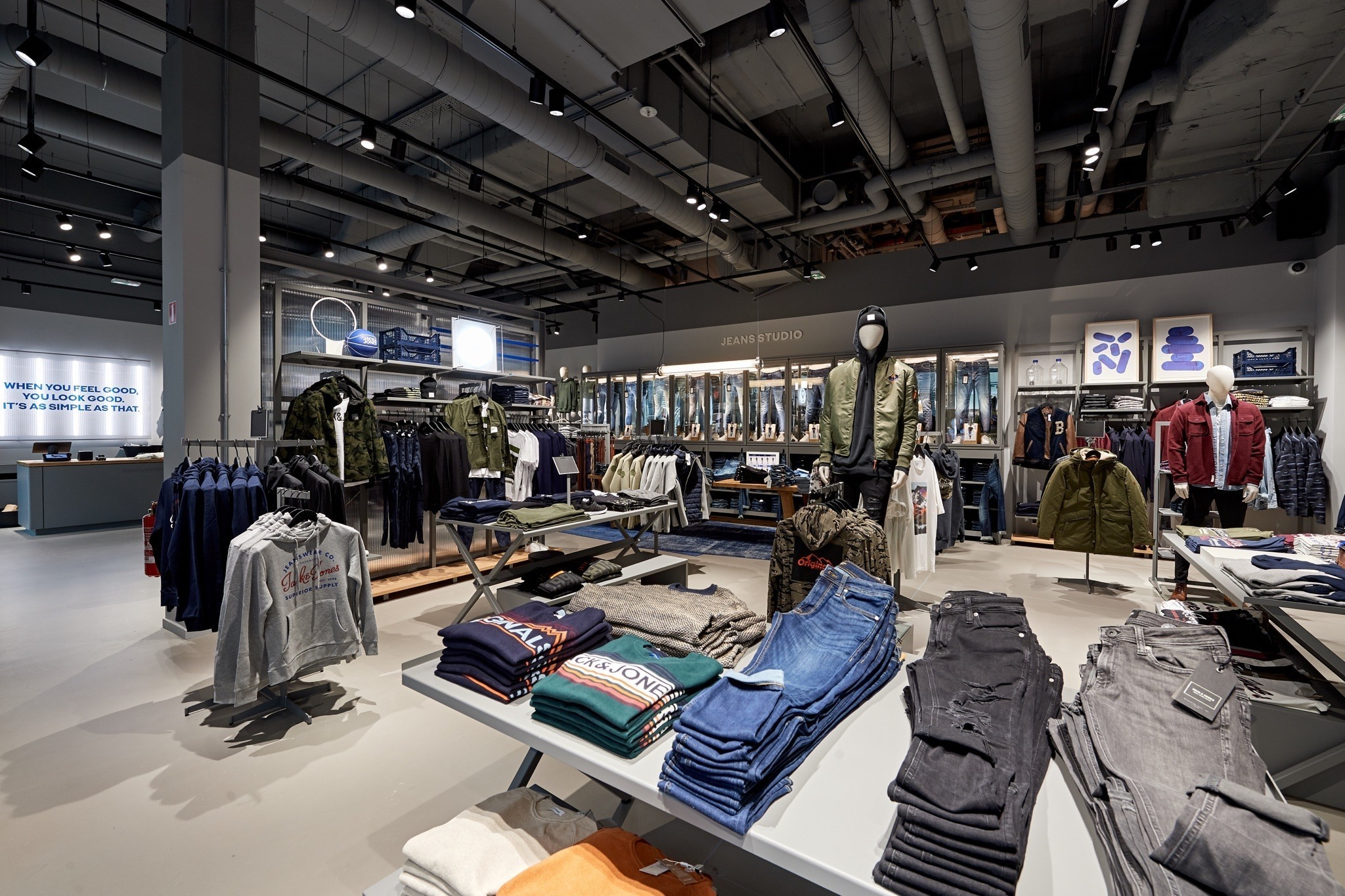 jack and jones shop | Docks Bruxsel | Shopping Center in Brussels