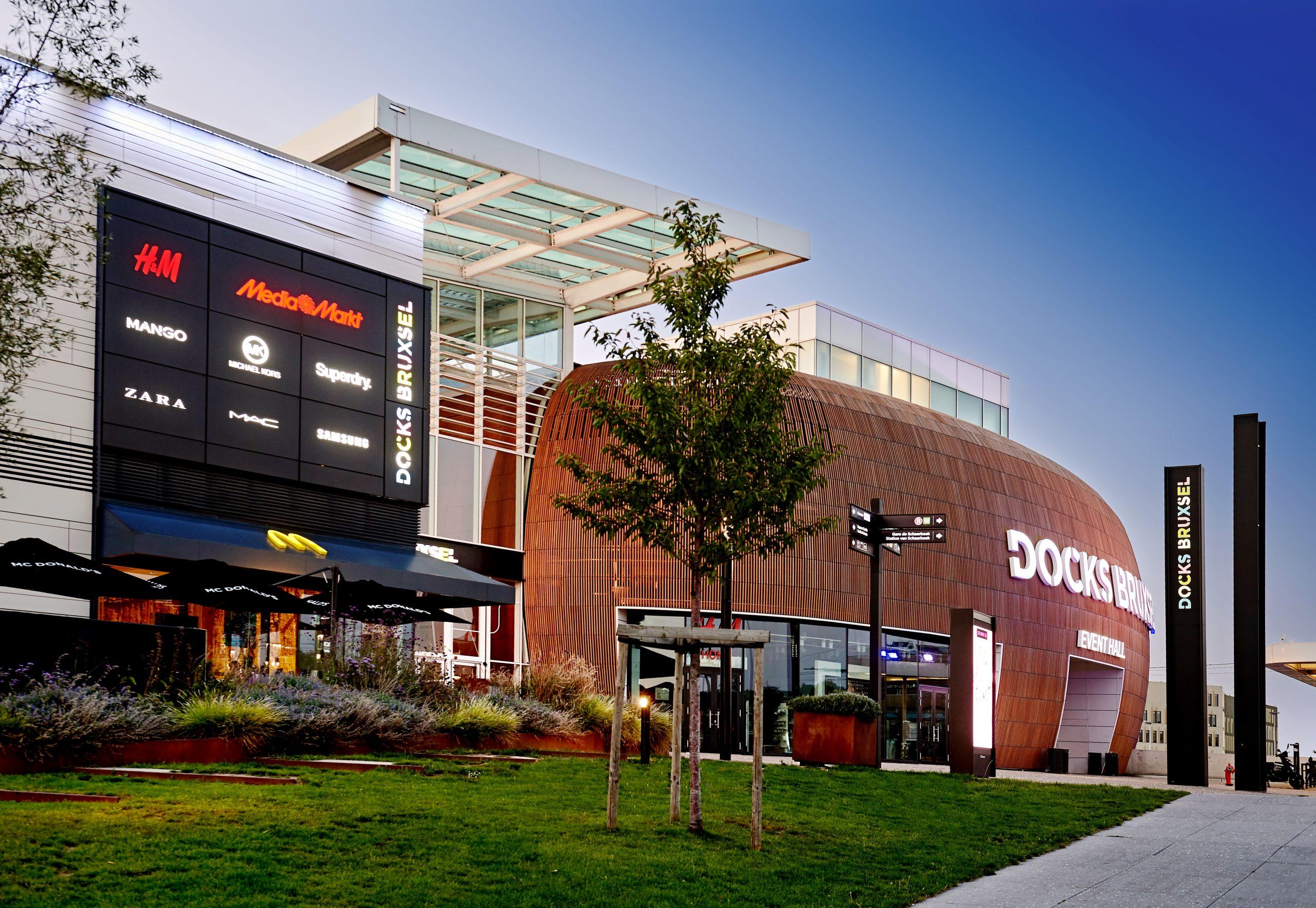 outside | Docks Bruxsel | Shopping Center in Brussels